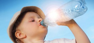 7-bebidas-muito-hidratantes-criana_a